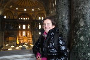 В грандиозной Айя-Софии (Стамбул)