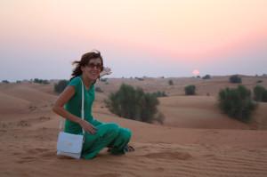 Я в пустыне недалеко от Шарджи (ОАЭ).