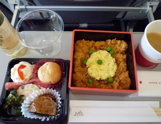 Еда в самолетах: много и не очень