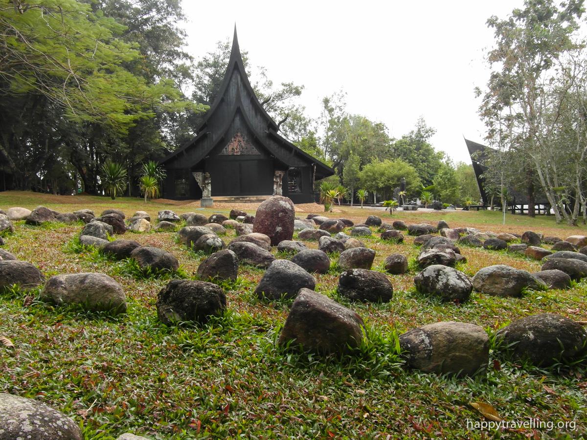 Чианграй: Белый и Черный храм — как добраться