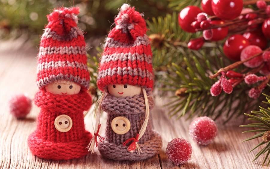 Christmas-toys-cute-winter_2880x1800_901x563