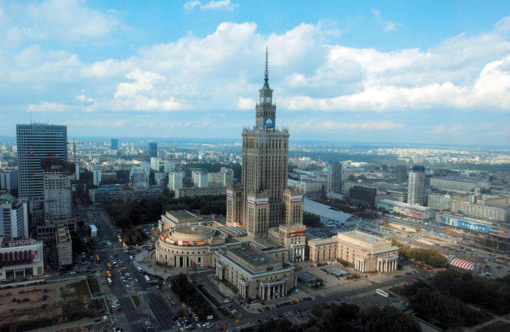 Как добраться до аэропорта Шопен и Модлин и вокзалов в Варшаве днем и ночью