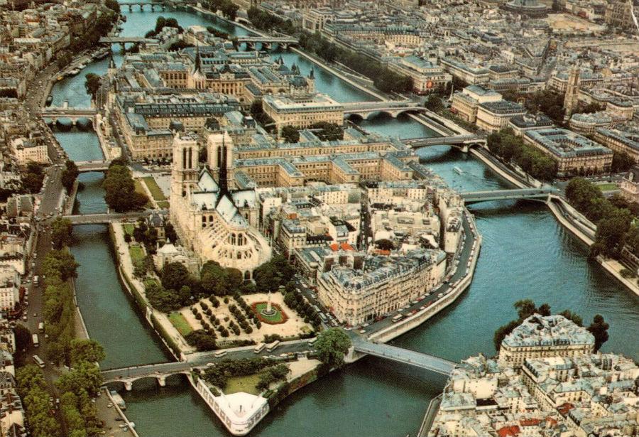 Летим в Париж за 22 евро в обе стороны в октябре!