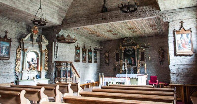 kostel-v-polshe-derevyannyi%cc%86