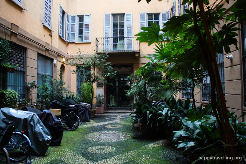дворик в Милане