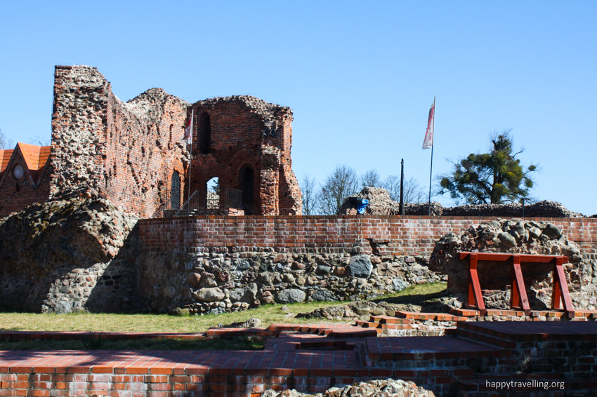 развалины замка в торуни