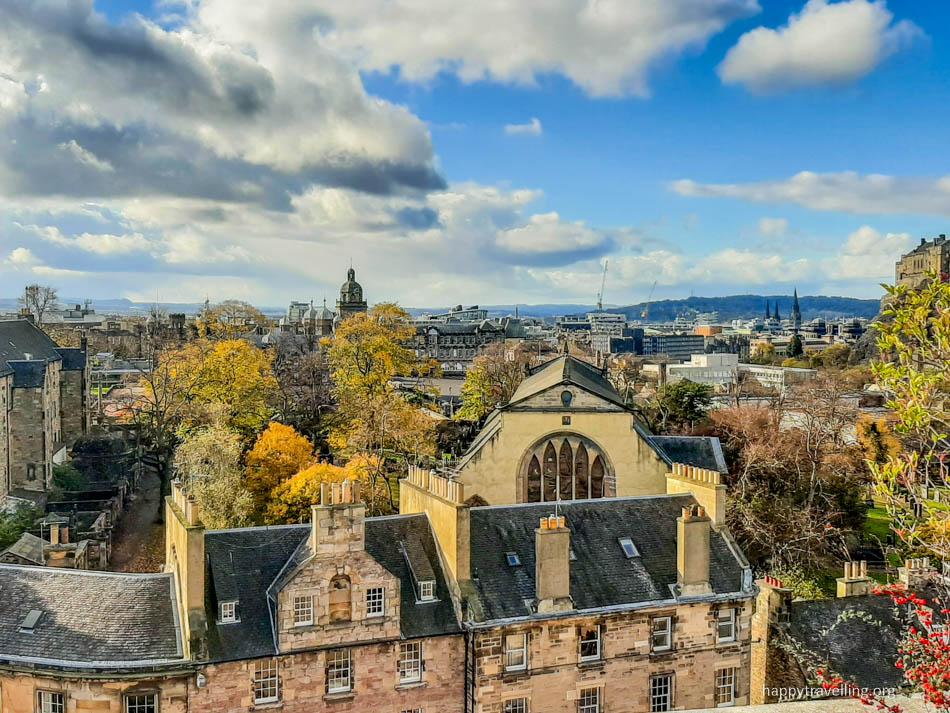 вид  на эдинбург с музея сверху
